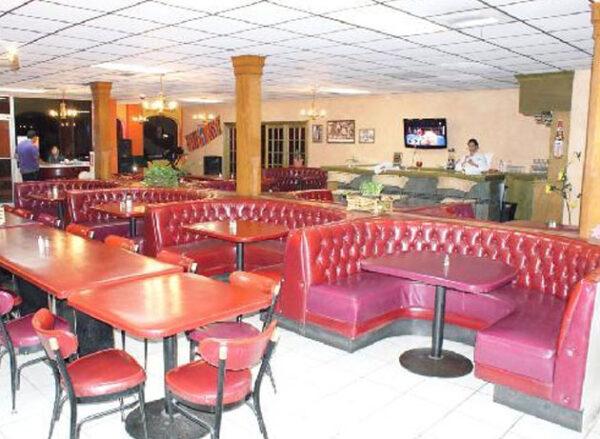 's Hotel & Restaurant Bar